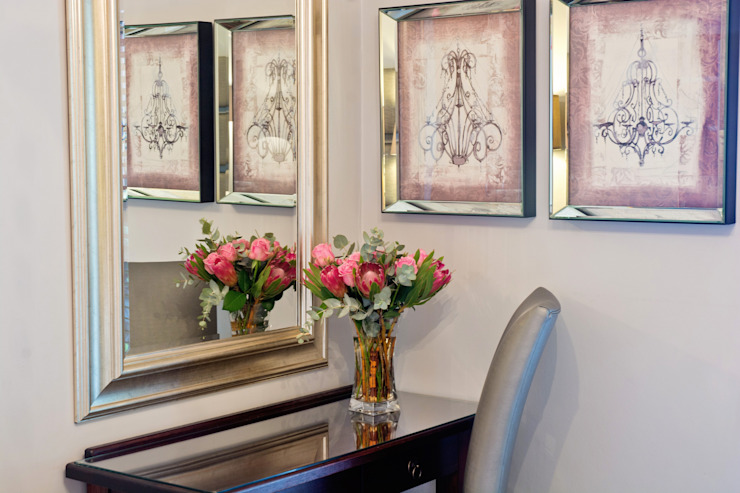 dressing table : classic  by Kraaines Interiors - Decor by Cherice, Classic
