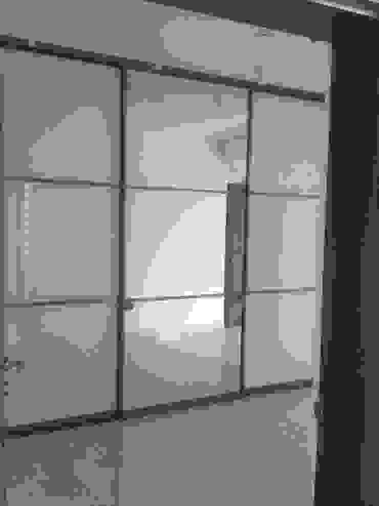 Interior: modern  by Design Space,Modern Glass