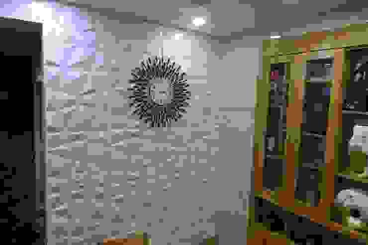 Công trình ốp tường trang trí nội thất tại Cổ Nhuế Hà Nội Nhà bếp phong cách hiện đại bởi Công Ty TNHH Ferino Việt Nam Hiện đại