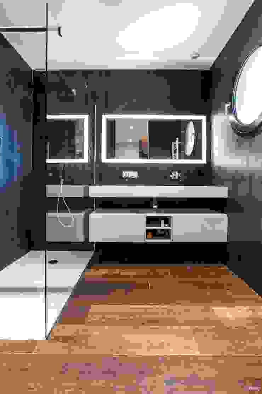 Baños de estilo moderno de Pixcity Moderno