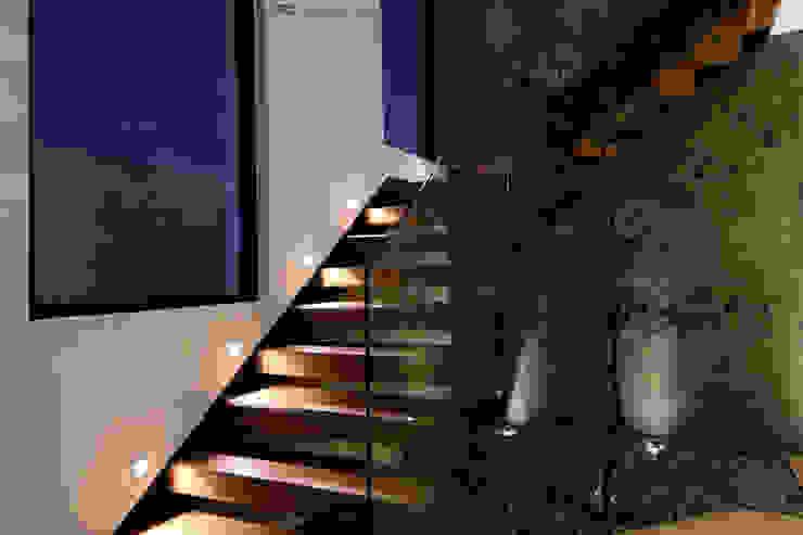 Escalier de style  par AFG Construcción y Diseño,