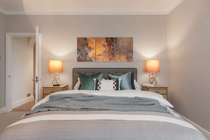Master bedroom with eclectic furnishings Eclectic style bedroom by Timothy James Interiors Eclectic