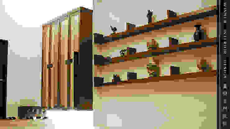車庫兼玄關入口 根據 贏特室內裝修工程有限公司 Winner Interior Design 現代風