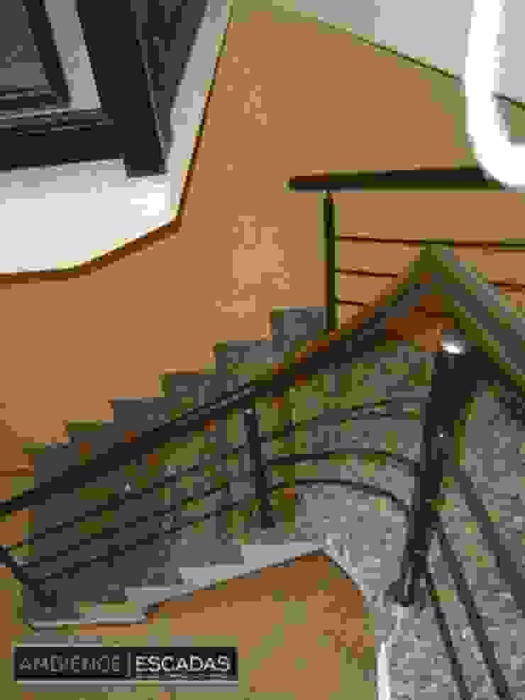 ambience escadas e corrimão 玄關、走廊與階梯階梯 鐵/鋼
