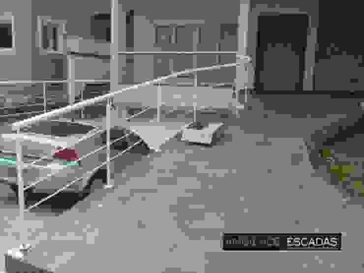 ambience escadas e corrimão Balcones y terrazasAccesorios y decoración Hierro/Acero