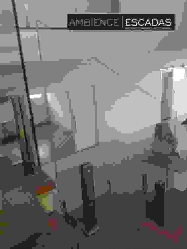 ambience escadas e corrimão 玄關、走廊與階梯階梯