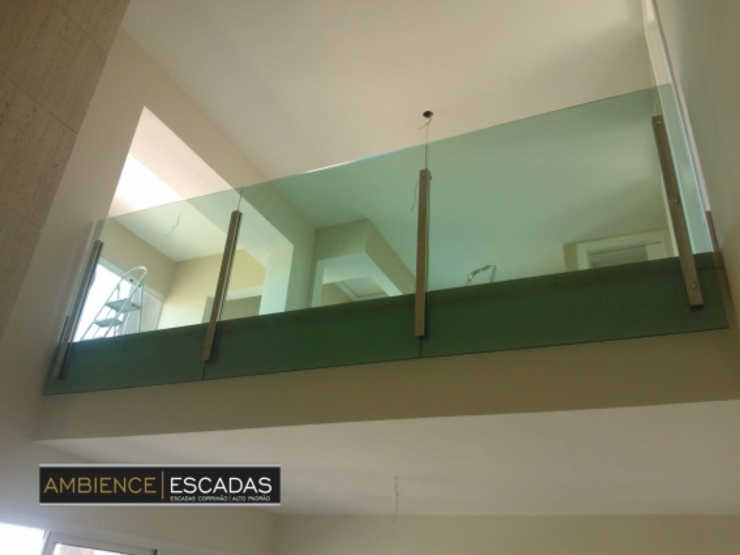 ambience escadas e corrimão Balcones y terrazasAccesorios y decoración