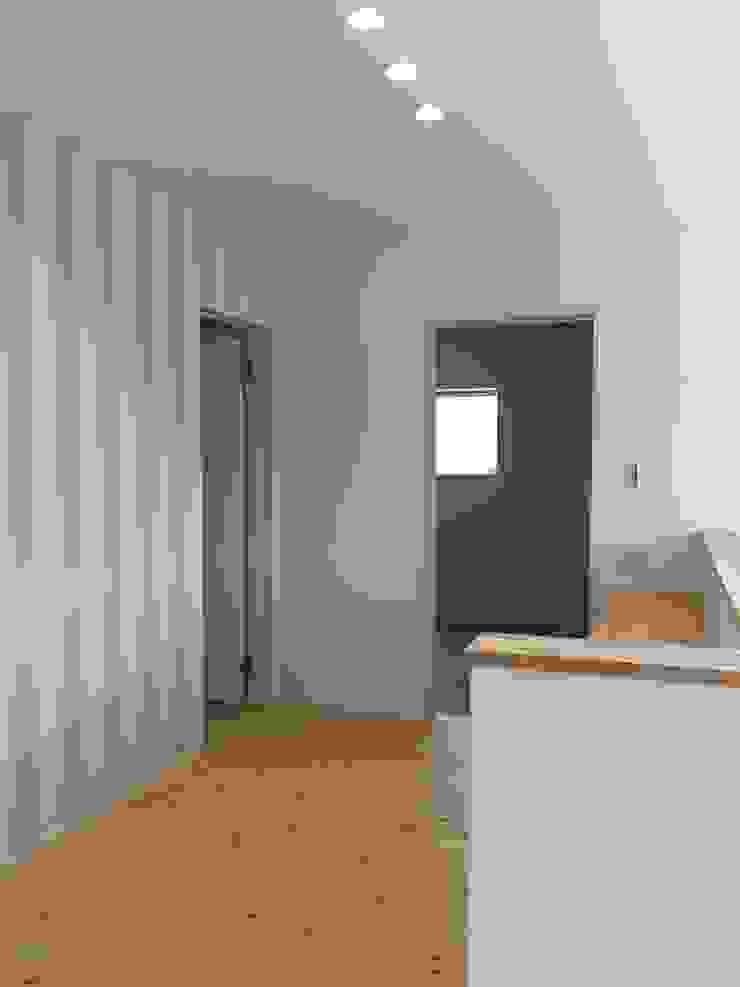 Tường & sàn phong cách hiện đại bởi CAF垂井俊郎建築設計事務所 Hiện đại