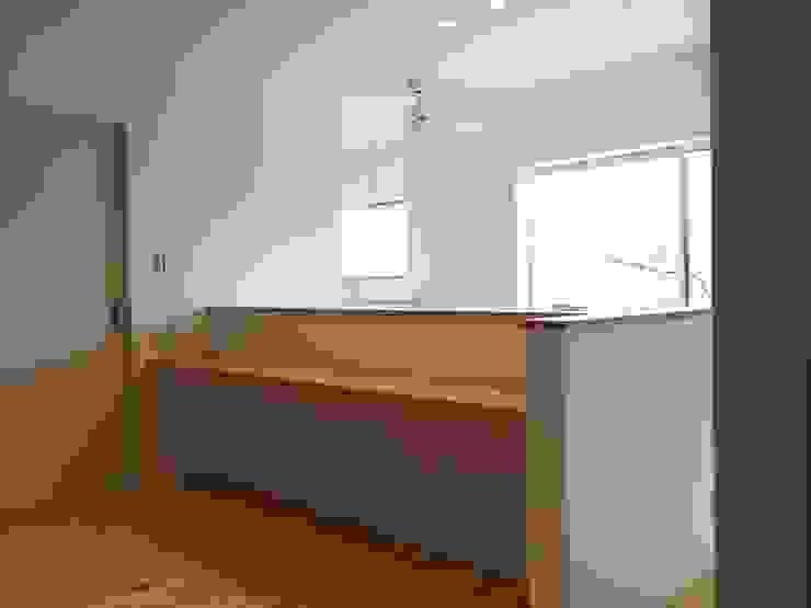 Phòng học/văn phòng phong cách chiết trung bởi CAF垂井俊郎建築設計事務所 Chiết trung Gỗ Wood effect