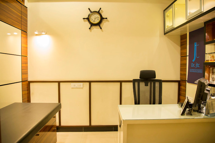 POISE Office Space: Doctor's Clinic Modern clinics by Poise Modern