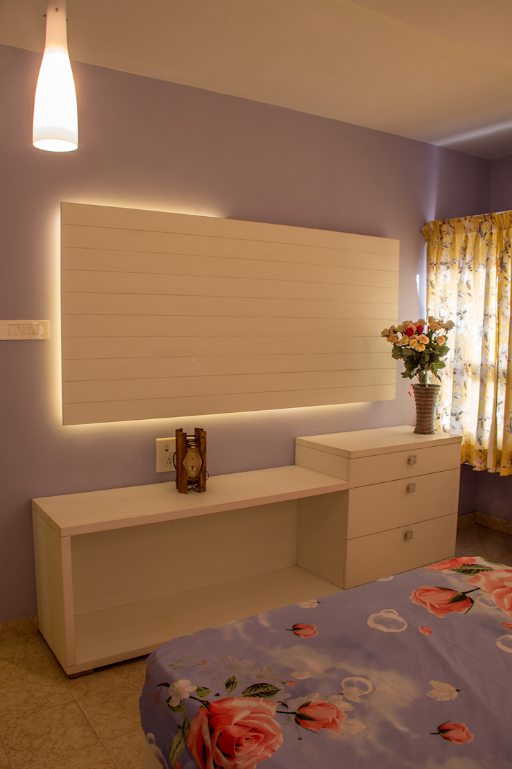 Poise Classic style bedroom