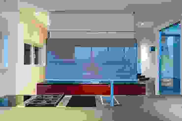 Modern kitchen by JBA Architects Modern Glass