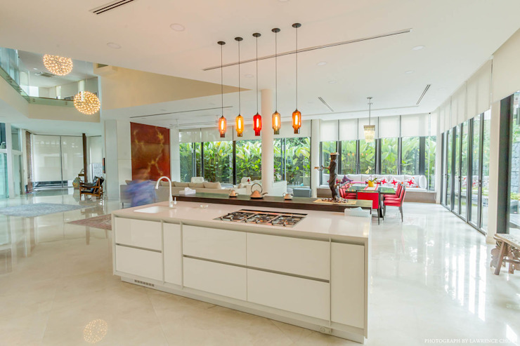 Sleek modern kitchen MJ Kanny Architect Modern style kitchen