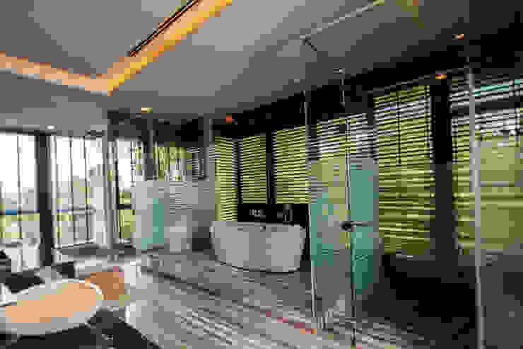Salle de bain tropicale par MJKanny Architect Tropical