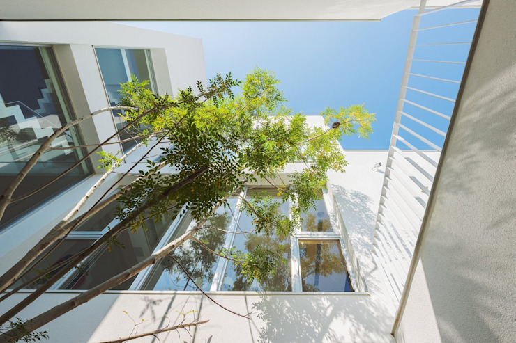 勝暉建築工程行 Modern houses