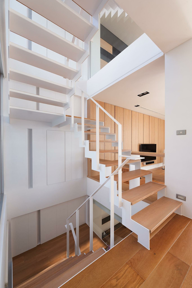 勝暉建築工程行 Ingresso, Corridoio & Scale in stile moderno