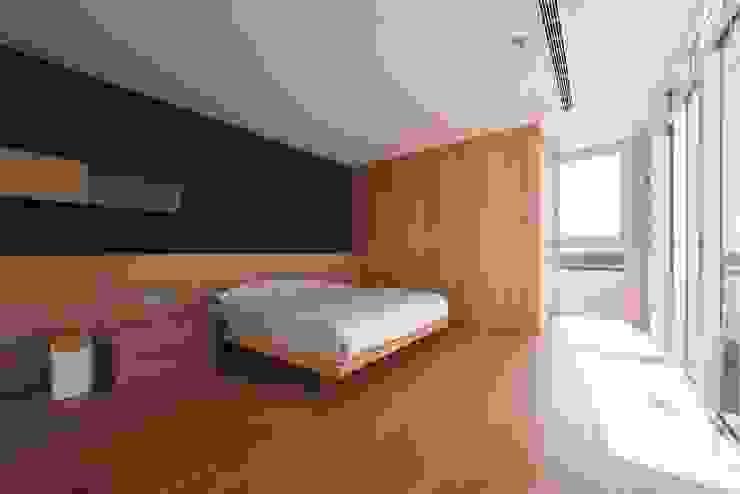 勝暉建築工程行 Modern style bedroom