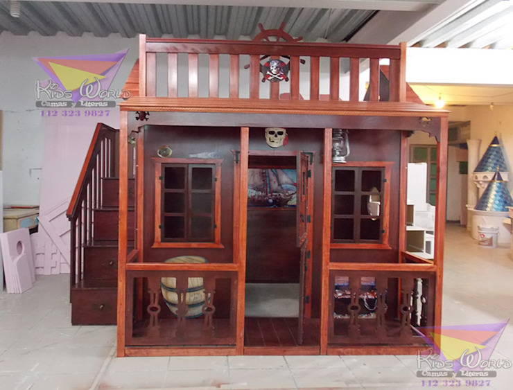 Fantástica casita estilo pirata Dormitorios clásicos de Kids Wolrd- Recamaras Literas y Muebles para niños Clásico Madera Acabado en madera