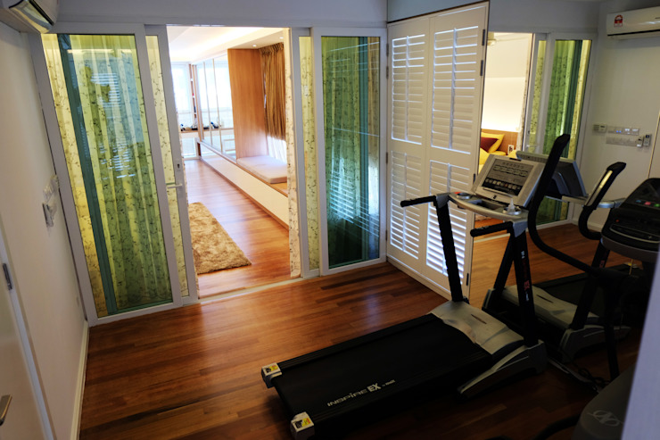 Tropical style gym by inDfinity Design (M) SDN BHD Tropical