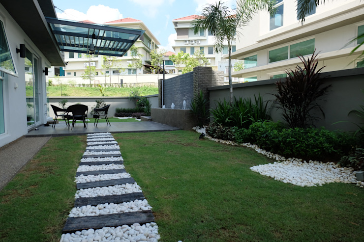 Contemporary Tropical , 3-Storey semi-D Tropical style gardens by inDfinity Design (M) SDN BHD Tropical