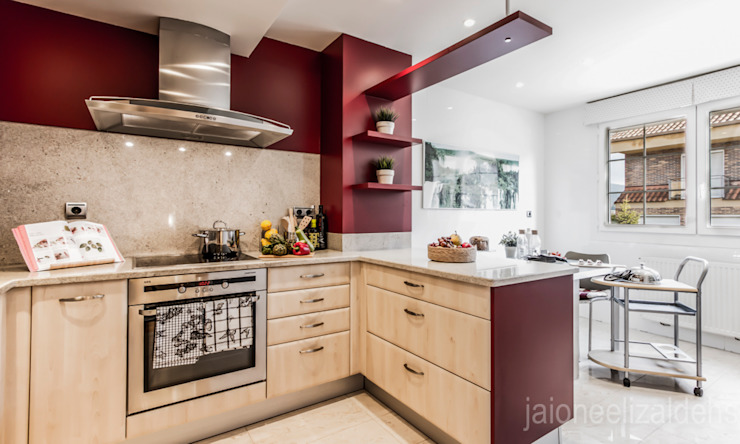 jaione elizalde estilismo inmobiliario - home staging Dapur Klasik