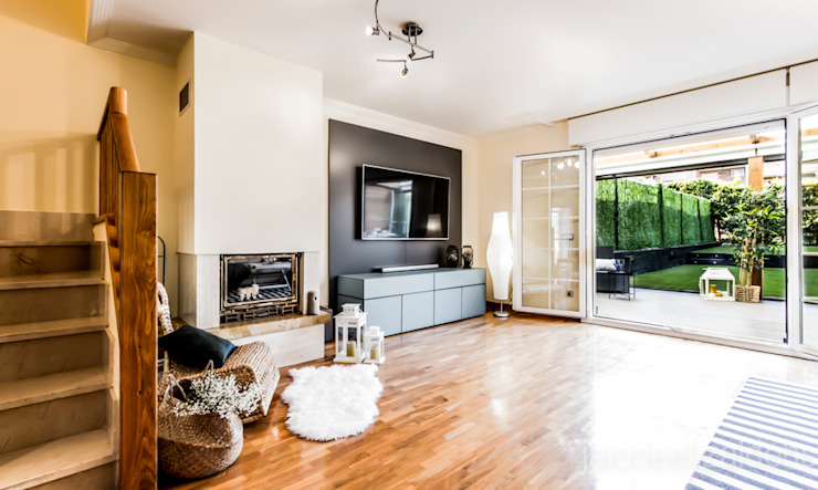 jaione elizalde estilismo inmobiliario - home staging Ruang Keluarga Klasik