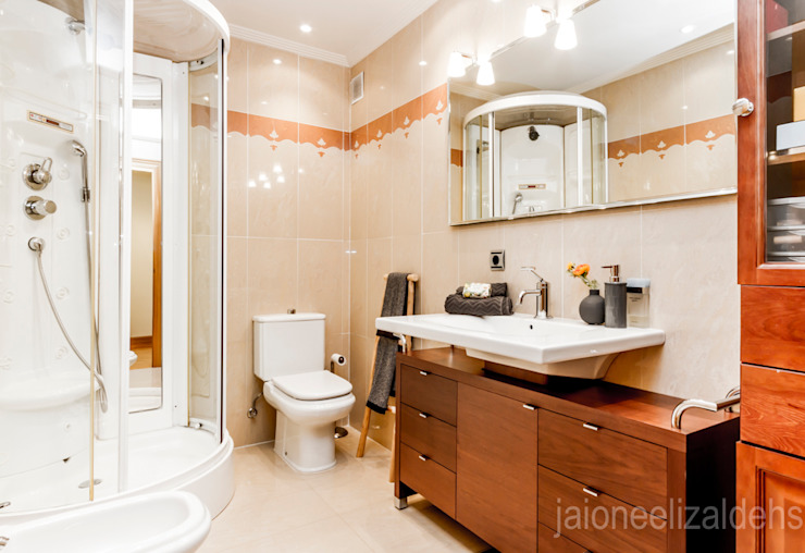 jaione elizalde estilismo inmobiliario - home staging Kamar Mandi Klasik