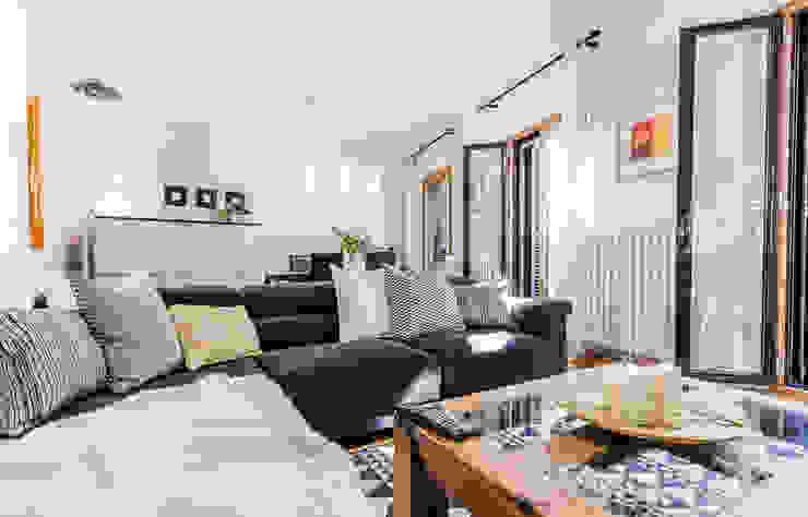 jaione elizalde estilismo inmobiliario - home staging Classic style living room