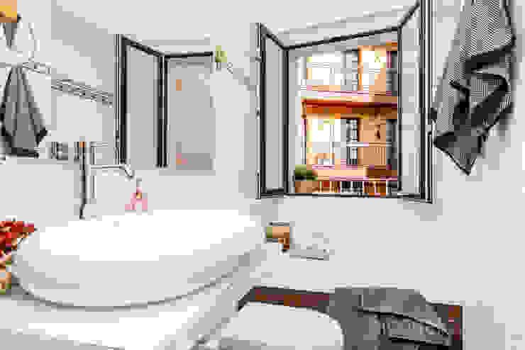 jaione elizalde estilismo inmobiliario - home staging Classic style bathroom