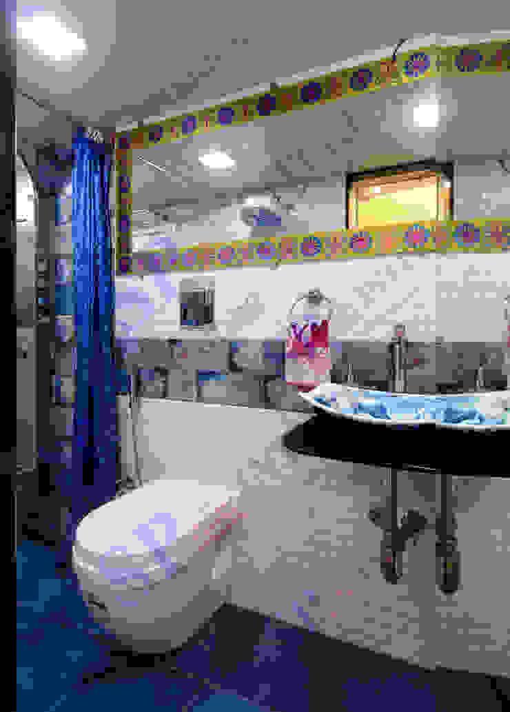 Mr.Ghandi Modern bathroom by SP INTERIORS Modern