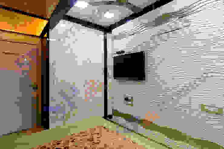 Mr.Ghandi Modern style bedroom by SP INTERIORS Modern
