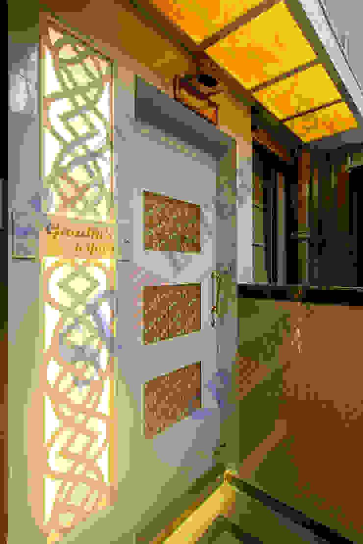 Mr.Ghandi Modern walls & floors by SP INTERIORS Modern