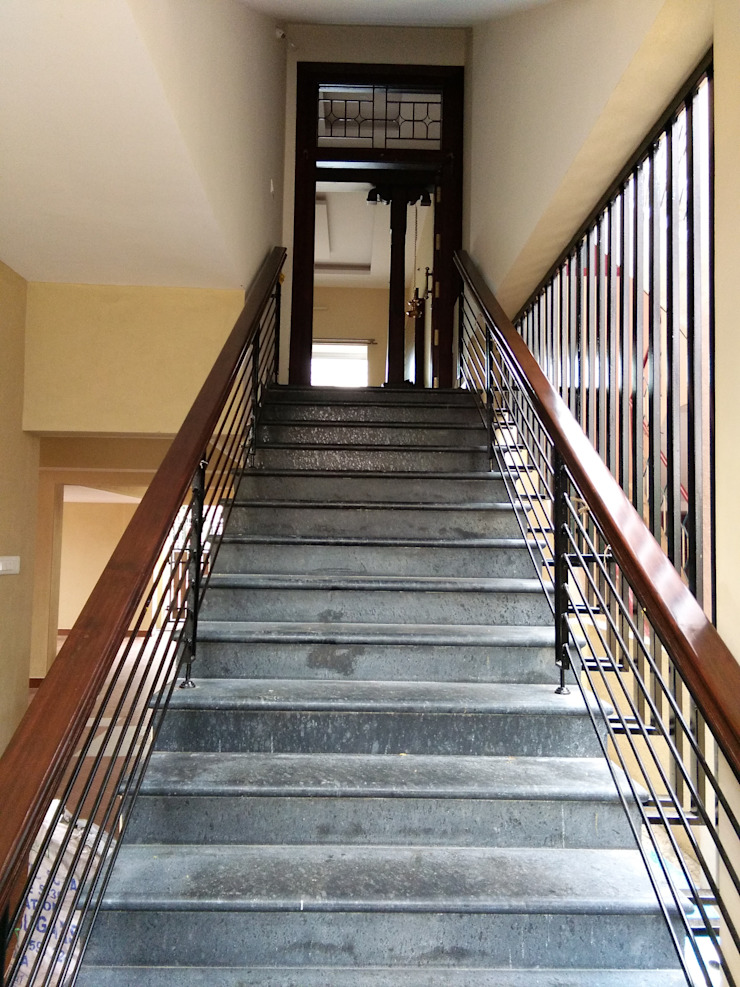 Mr Subramaniyam's Home Classic style corridor, hallway and stairs by Archstone Ventures Classic Granite