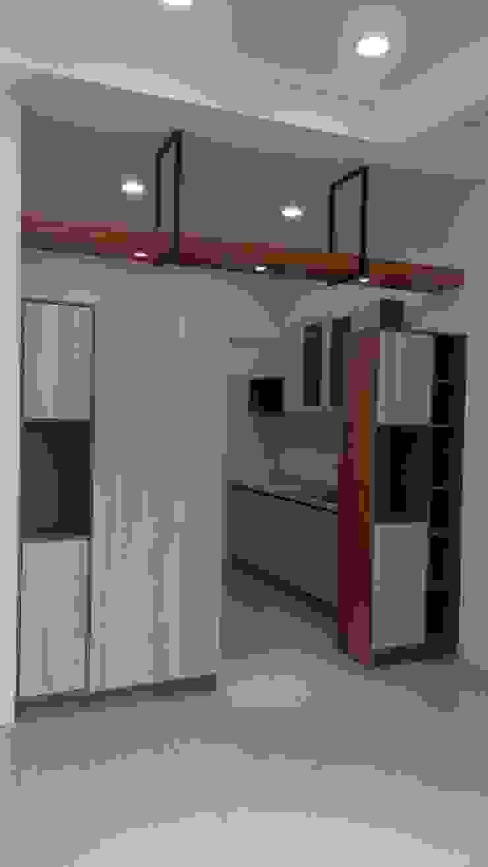 和美柑竹路吳宅 現代風玄關、走廊與階梯 根據 紅帥設計 現代風 MDF