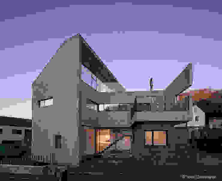시연재 모던스타일 주택 by 디자인그룹 콜라보 모던