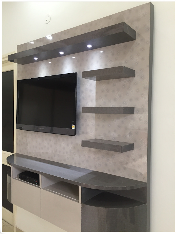 TV Unit in Common Bedroom Modern Bedroom by U and I Designs Modern