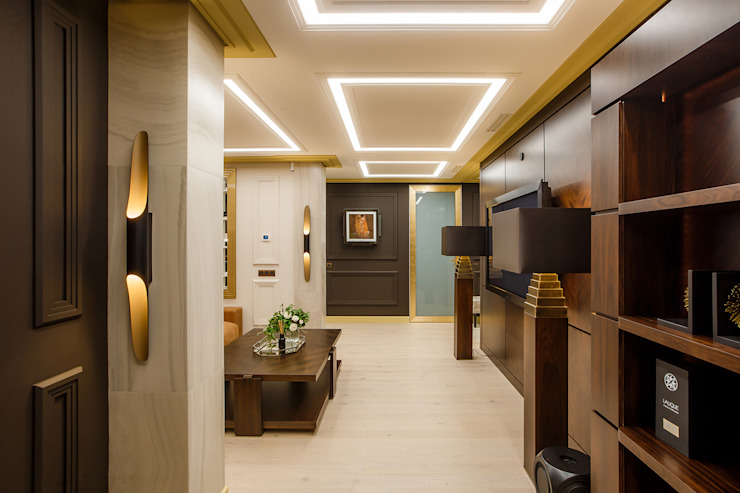 Eclectic style corridor, hallway & stairs by Дизайн Студия 33 Eclectic