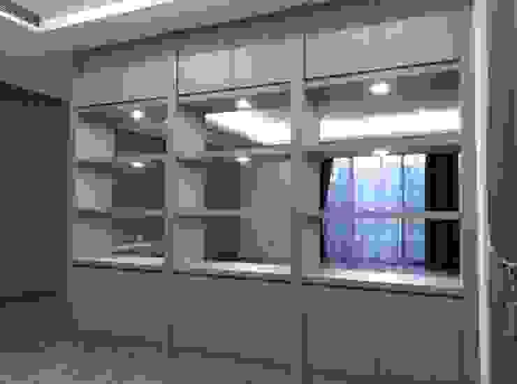 隔間櫃 根據 紅帥設計 現代風 木頭 Wood effect