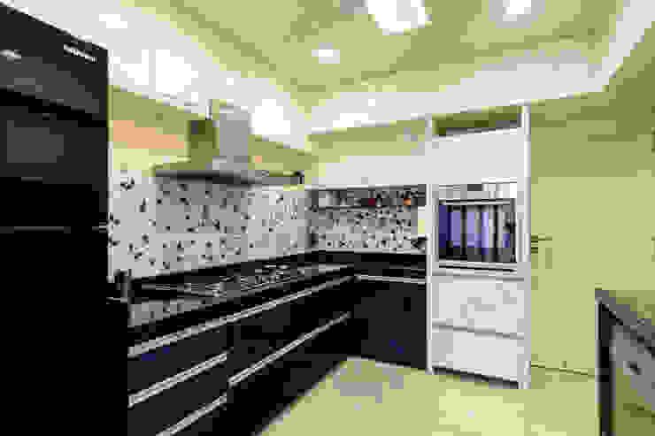 Ajay Bali Modern kitchen by SP INTERIORS Modern