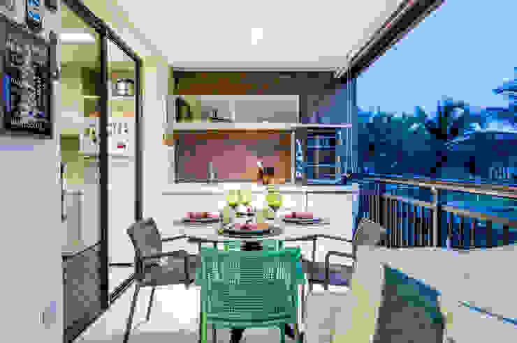 Coletânea Arquitetos Balcone, Veranda & Terrazza in stile tropicale
