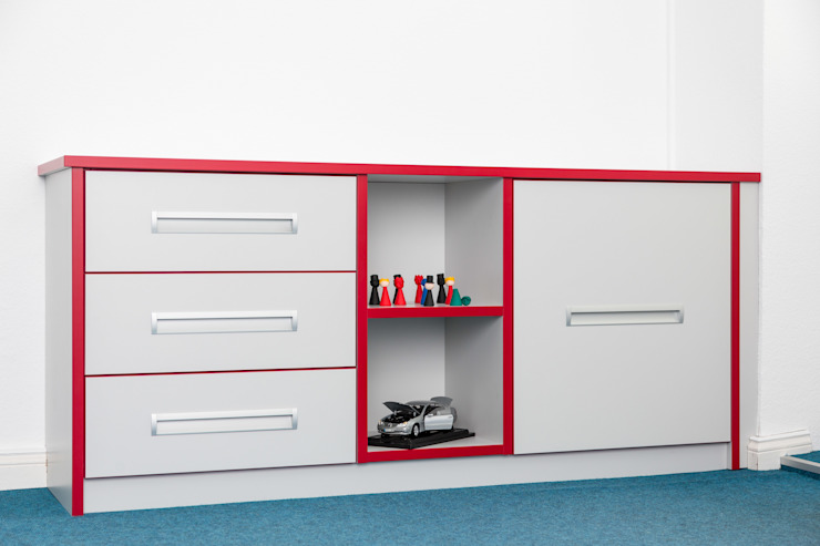 ASADA Schiebetüren und Möbel nach Maß - Ulrich Schablowsky Living roomStorage