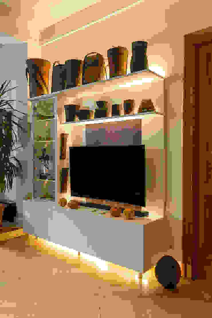 ASADA Schiebetüren und Möbel nach Maß - Ulrich Schablowsky Living roomTV stands & cabinets