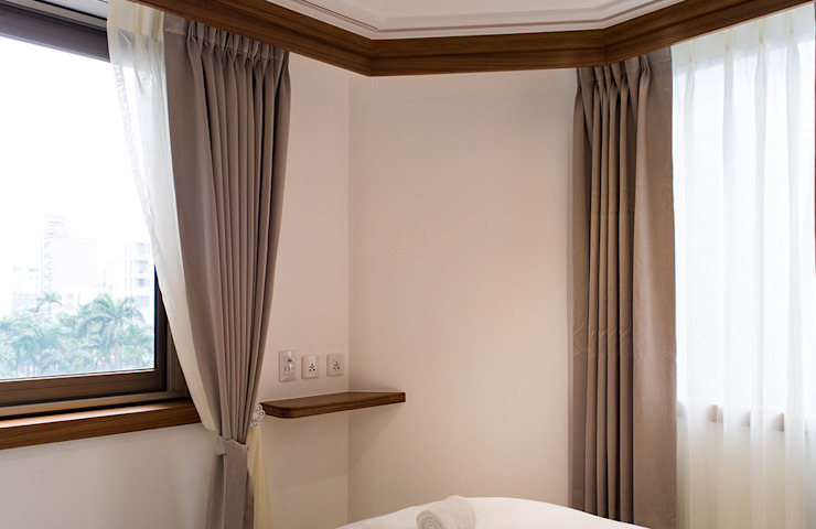 Modern walls & floors by 松泰室內裝修設計工程有限公司 Modern Solid Wood Multicolored
