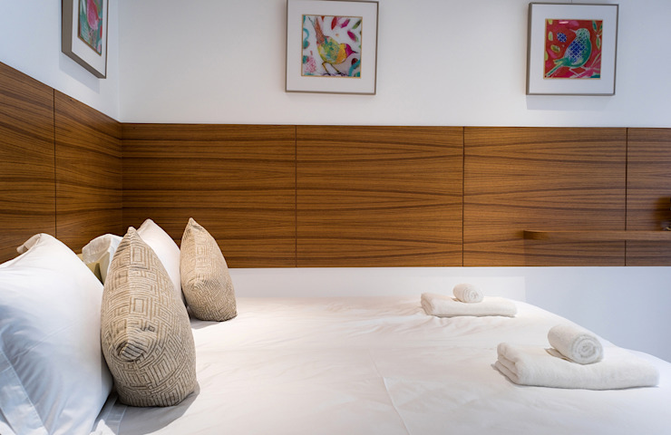 Modern style bedroom by 松泰室內裝修設計工程有限公司 Modern Solid Wood Multicolored