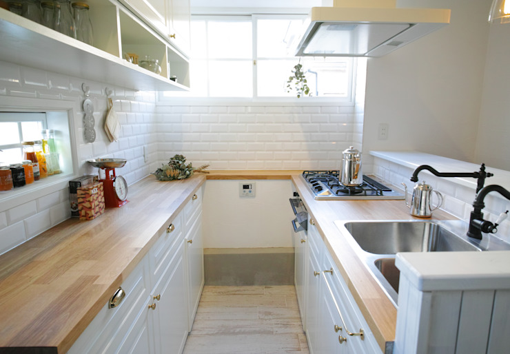 ママとベビーの家 TBJインテリアデザイン建築事務所 北欧デザインの キッチン