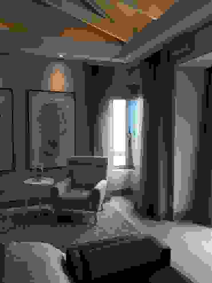 Bedroom Sheer Curtains and Blockout Modern style bedroom by Elliott Designs Studio Modern