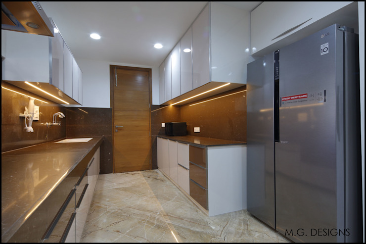 Kitchen Modern style kitchen by malvigajjar Modern