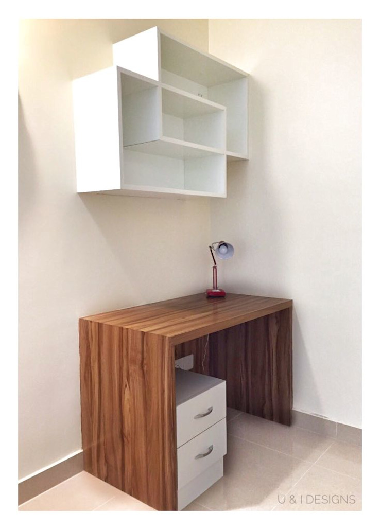 Work Station Classic style study/office by U and I Designs Classic