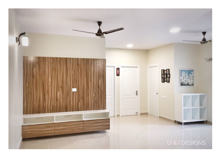 TV Unit in the Living Room Minimalist living room by U and I Designs Minimalist