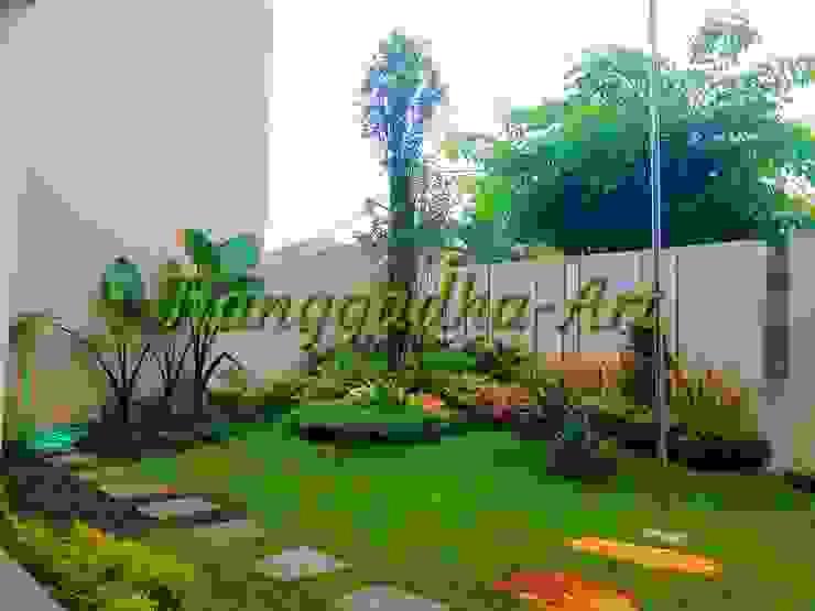 Tukang taman Surabaya - Taman Depan Oleh Tukang Taman Surabaya - Tianggadha-art Minimalis